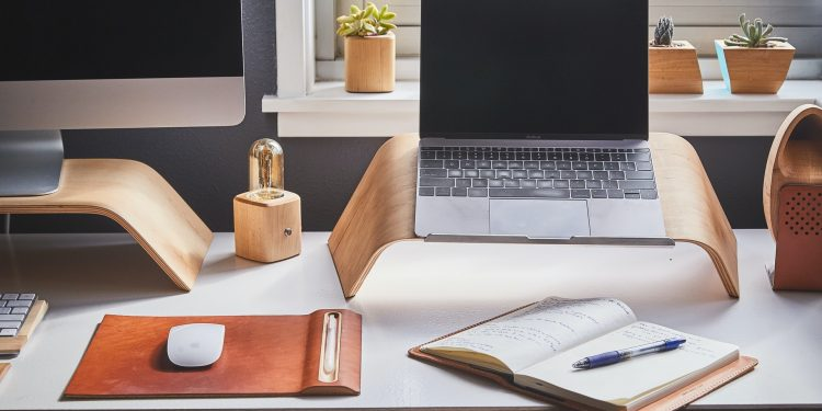 Hoe kun je je thuiswerkplek het beste inrichten