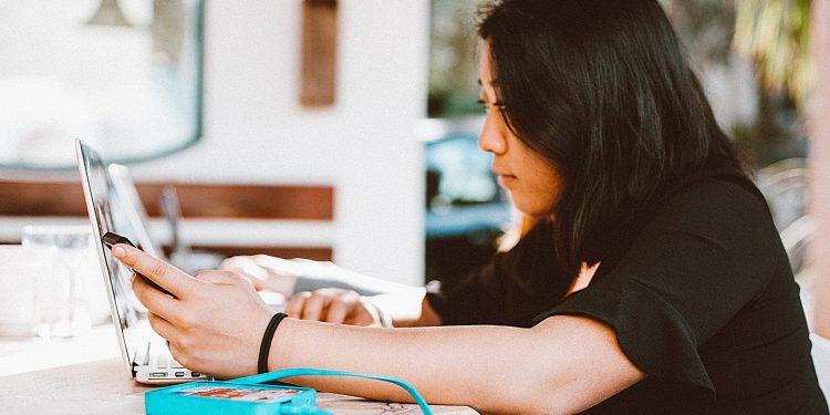 Multitasking mobile and laptop